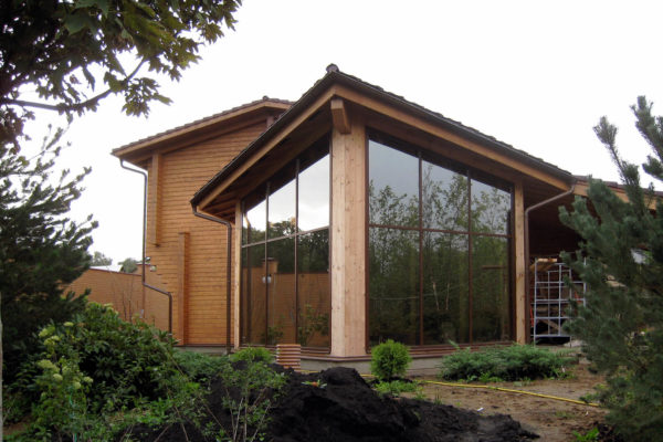Остекление-фасад-частного-дома-2