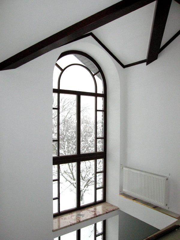 Декоративные переплёты в окнах